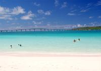 輝く白い砂浜