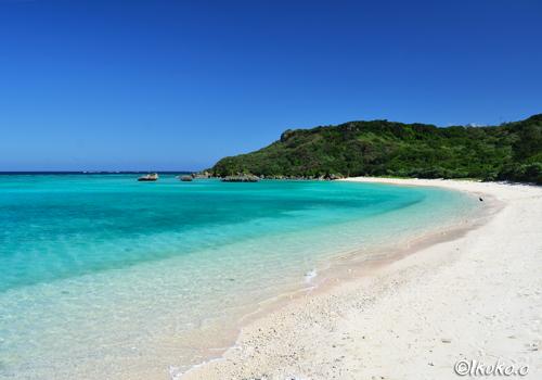 青空と海と砂浜