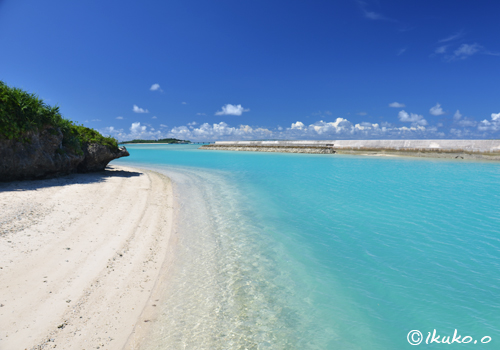 狩俣漁港の小さな浜
