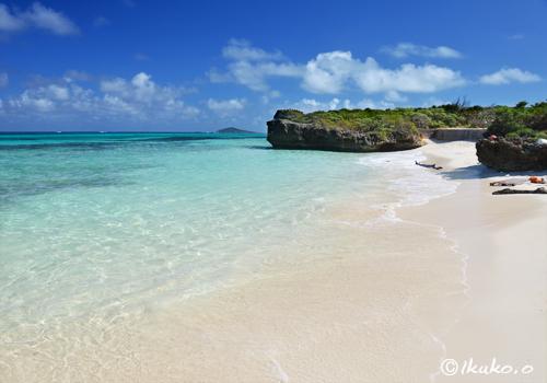 フナクス:静かなビーチ