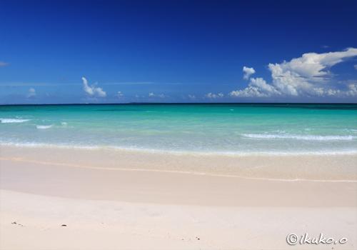 青い海と夏の空