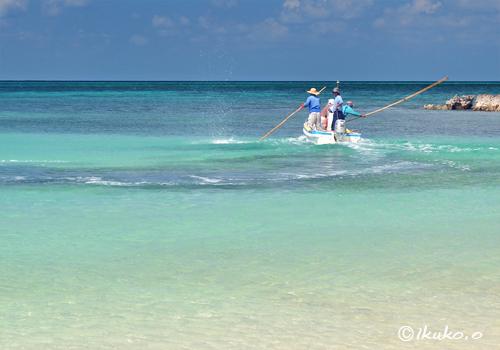 ビーチ内での追い込み漁