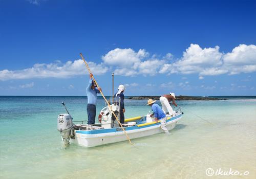 ビーチの海人たち