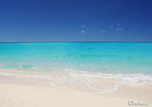 ブルーに輝く海