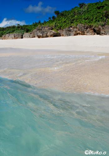 ビーチに打ち寄せる波