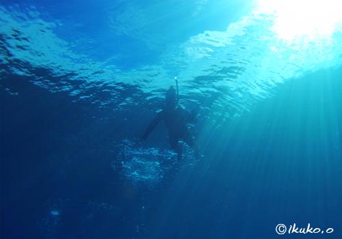 ベタなぎの海