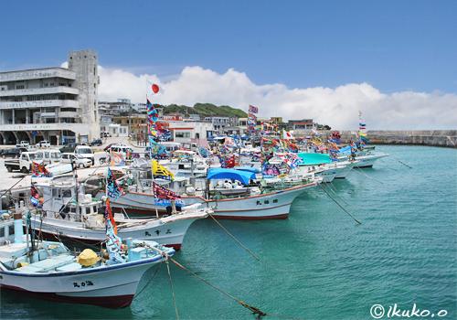 漁港を彩る大漁旗