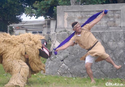 獅子を誘う踊り