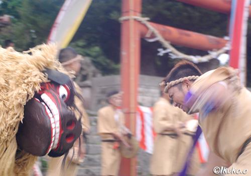 砂川(うるか)の獅子舞