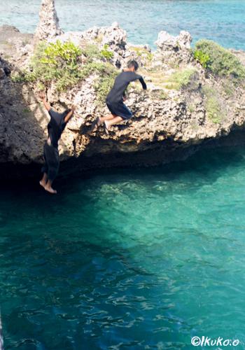 橋からのジャンプ