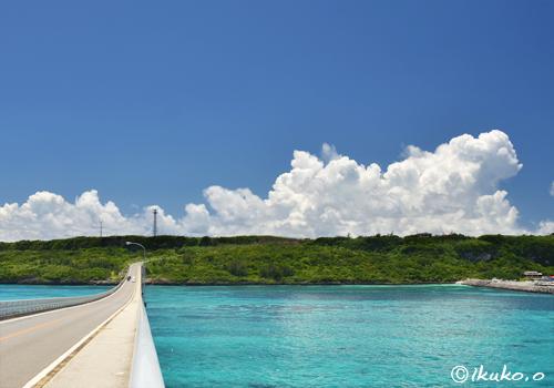 来間島を覆う入道雲