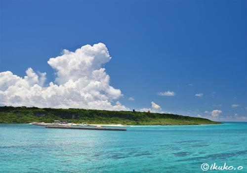 青い海と入道雲