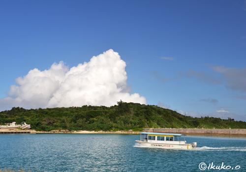 池間漁港の入道雲
