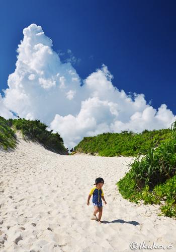 砂山ビーチの入道雲