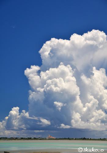 湧き上がる入道雲
