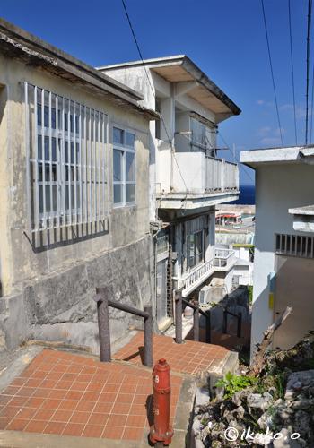 階段の路地