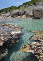 東平安名崎横の海