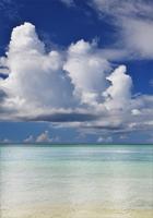 夏色の海と入道雲