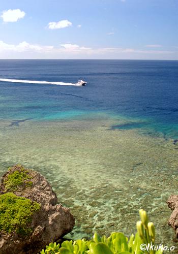 サバ沖の海とボート