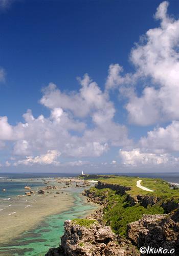 雲と東平安名崎