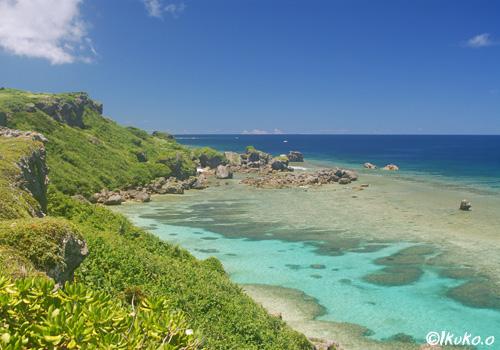 岬と青い海