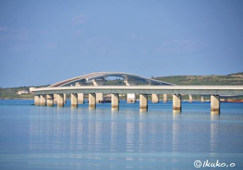 伊良部大橋と鏡の海