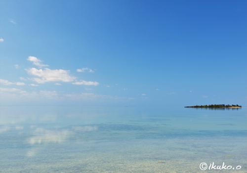 鏡のような幻想的な海