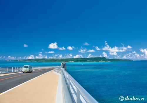 伊良部大橋と伊良部島