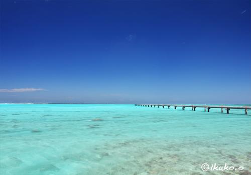下地島空港脇の美しい海