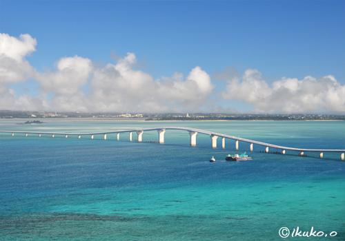 青い海を渡る伊良部大橋