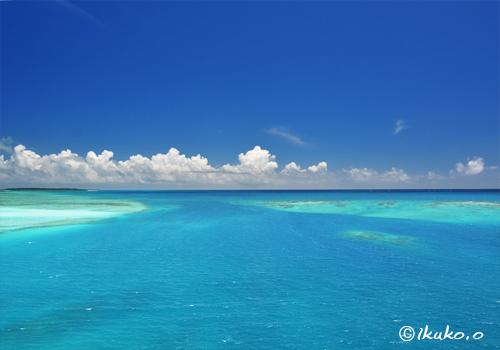 エメラルドの海