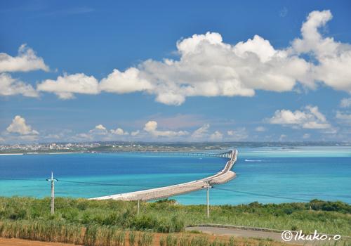 伊良部大橋と海