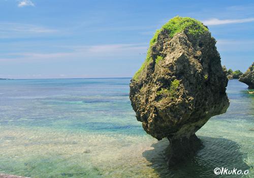 大神島の奇岩