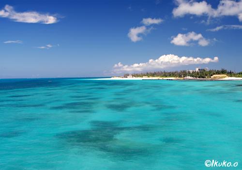 前浜ビーチとブルーの海
