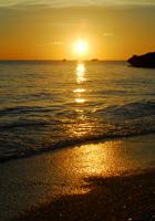 小さな浜の夕暮れ