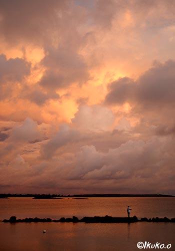 雲にうつる夕焼け