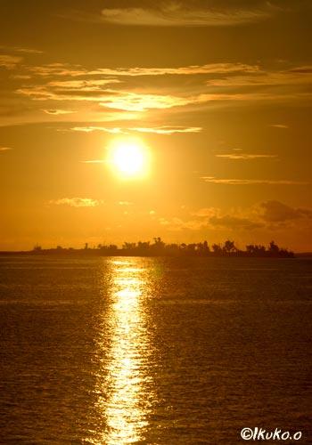 パナリと夕陽