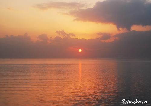 与那覇湾の夕日