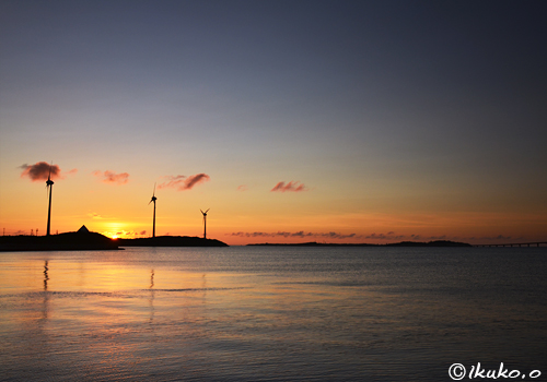 狩俣湾の夕暮れ
