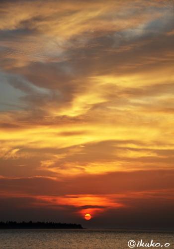 火焔のような雲