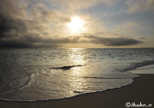 静かに寄せる波