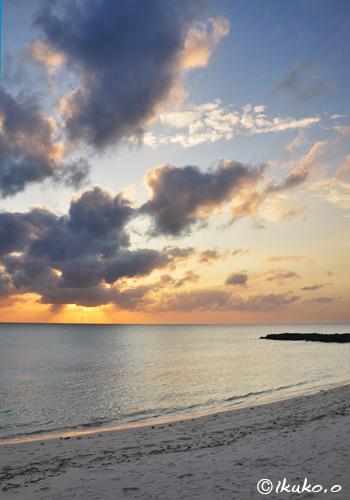 前浜ビーチの夕暮れ