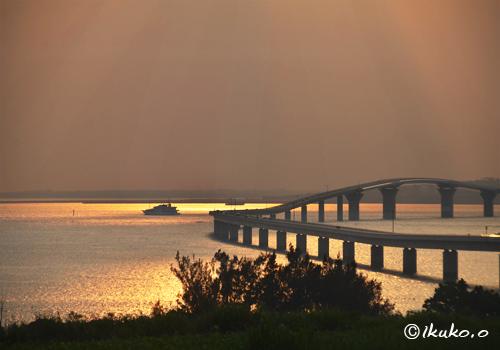 夕暮れの伊良部大橋