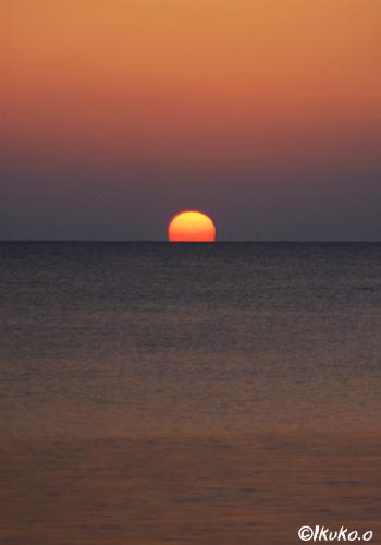 海に消える太陽