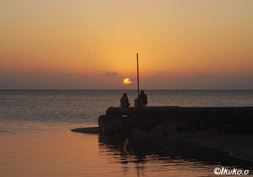 まん丸な夕陽