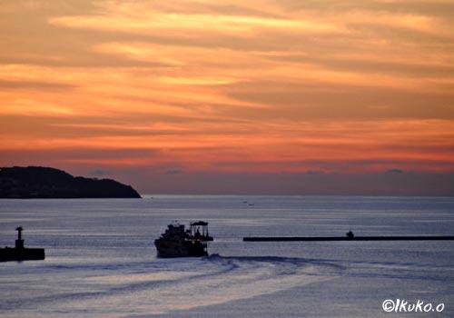 平良港の夕陽